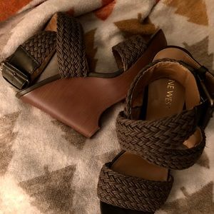 Nine West Chunky Woven Olive Wedges Sandals 🌸